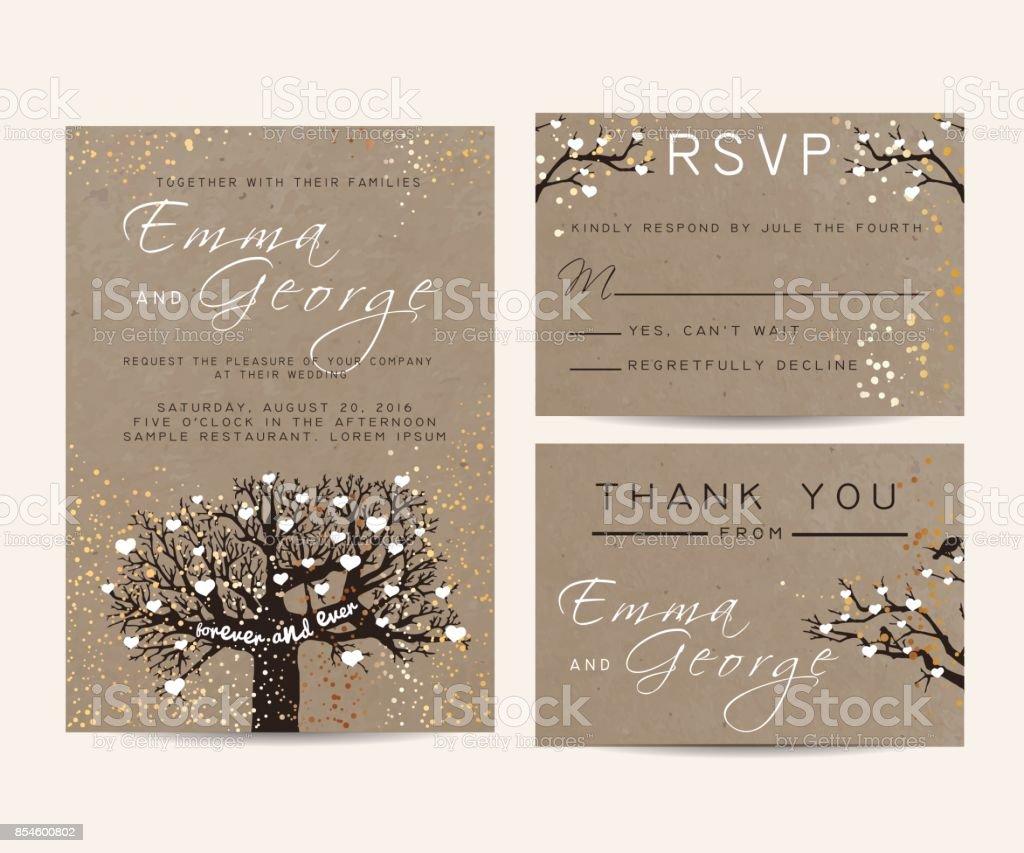 Schöne Hochzeitseinladung Am Kraftpapier, Dekoriert Mit Fee Baum Und  Gold Glitter Lizenzfreies Schöne Hochzeitseinladung