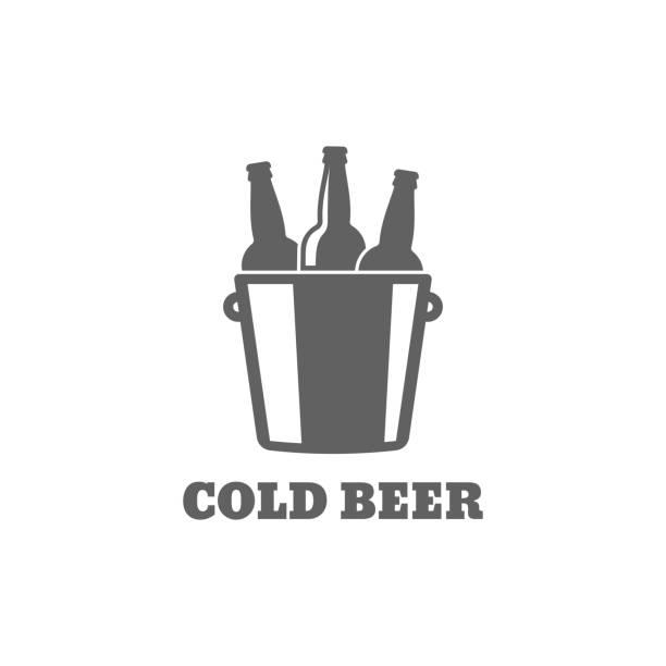 stockillustraties, clipart, cartoons en iconen met bierfles. koud biertje pictogram op witte achtergrond - emmer