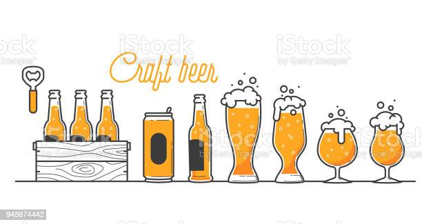 Beer Glass Bottle And Can Types Craft Beer Calligraphy Design And Minimal Flat Vector Illustration Of Different Type Of Beers Six Pack In A Wood Box Oktoberfest Equipment Restaurant Illustration — стоковая векторная графика и другие изображения на тему Алкоголь - напиток