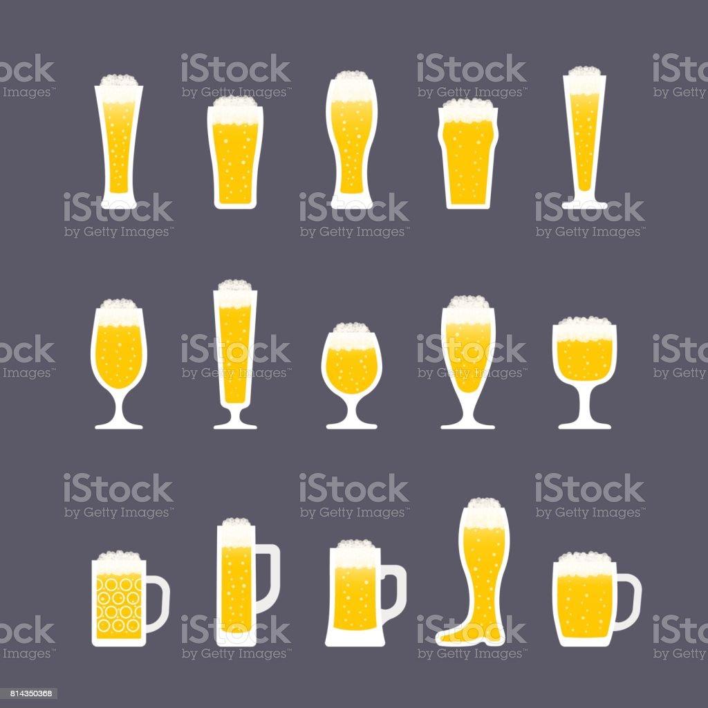 Biergläser mit Schaum und Luftblasen. Symbolsatz im flachen Stil. Vektor – Vektorgrafik
