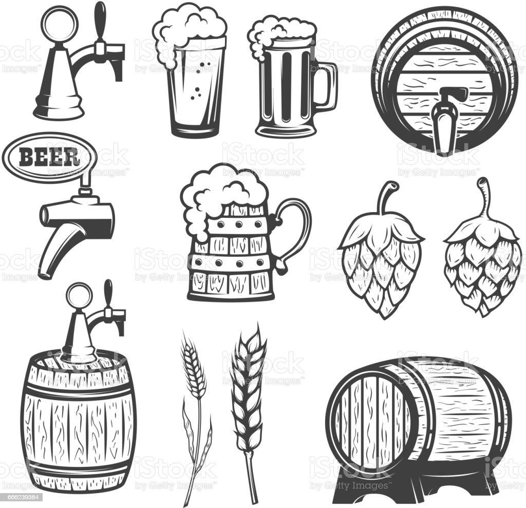 Bierkrüge, Holzfässer, Hopfen, Weizen. isoliert auf weißem Hintergrund. – Vektorgrafik
