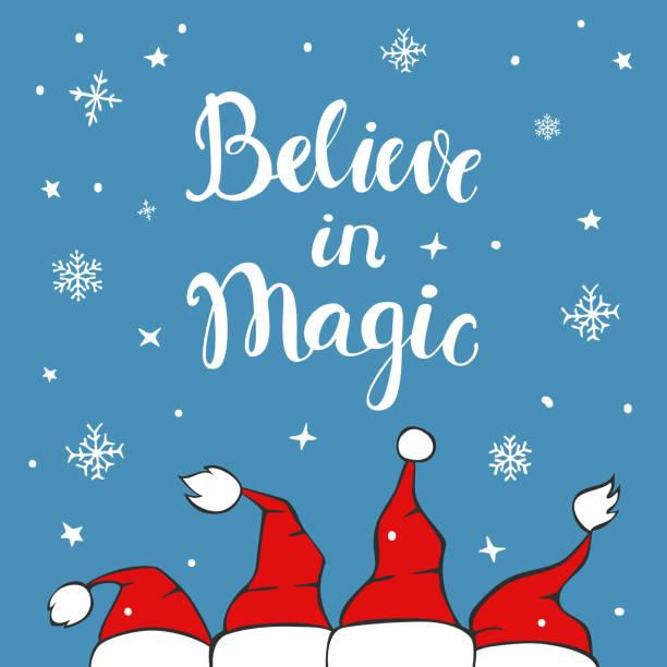 ilustraciones, imágenes clip art, dibujos animados e iconos de stock de creer en magia navidad tarjeta de felicitación de fondo con sombreros de santa claus chrostmas en textura azul con copos de nieve y estrellas - tipos de letra de historietas