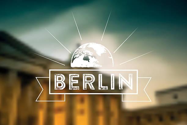 berlin vintage-zeichen auf dem hintergrund verschwommen sunset brandenburger tor - berlin brandenburger tor blurred stock-grafiken, -clipart, -cartoons und -symbole