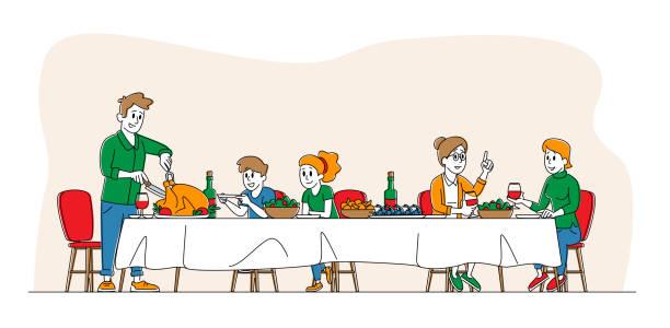 illustrazioni stock, clip art, cartoni animati e icone di tendenza di grande festa di famiglia, cena di celebrazione del ringraziamento a tavola con cibo. persone felici che mangiano farina di tacchino e parlano insieme, gruppo di personaggi allegri durante il pranzo festivo. illustrazione vettoriale lineare - pranzo natale