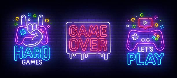 büyük set neon şarkı. oyun odası etiketi ve sembolü. oyun afiş, amblem ve etiket. parlak tabela, ışık afiş. vektör illüstrasyon - gaming stock illustrations