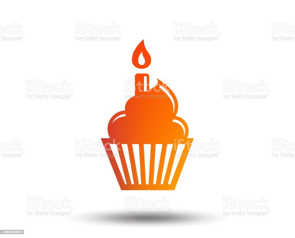 バースデーケーキ標識アイコンをクリックします。燃えるキャンドルのシンボル。 - お祝いのロイヤリティフリーベクトルアート
