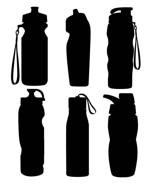 illustrations, cliparts, dessins animés et icônes de silhouette noire. collection de bouteilles de sport. bouteille en plastique de bicyclette. activités de plein air. différentes formes de récipients pour l'eau. illustration vectorielle isolée sur fond blanc - bouteille d'eau