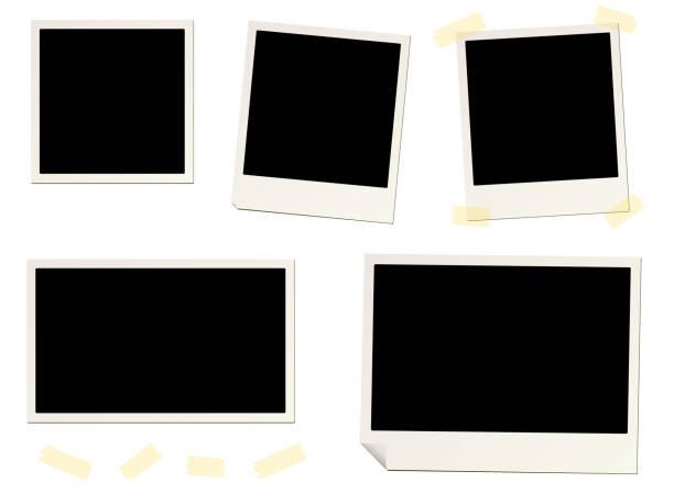 ilustraciones, imágenes clip art, dibujos animados e iconos de stock de marcos de fotos instantáneas en blanco y cinta adhesiva - bordes de marcos de fotografías