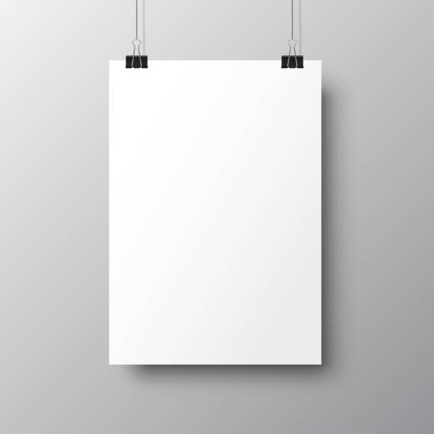 illustrations, cliparts, dessins animés et icônes de affiches vides suspendues avec des ombres. papier blanc suspendu sur des classeurs. page papier a4, maquette, feuille sur le mur - vecteur - vitrine magasin
