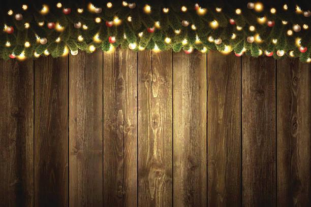 illustrazioni stock, clip art, cartoni animati e icone di tendenza di vuoto in legno sfondo luminoso natale ghirlanda - tavola natale