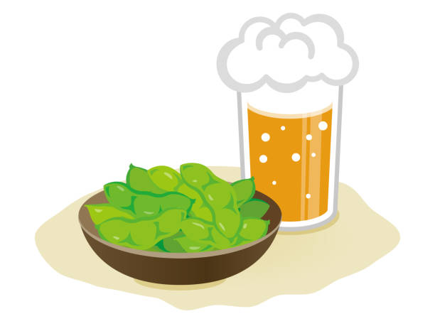 gekochte grüne sojabohnen und bier - plastikteller stock-grafiken, -clipart, -cartoons und -symbole