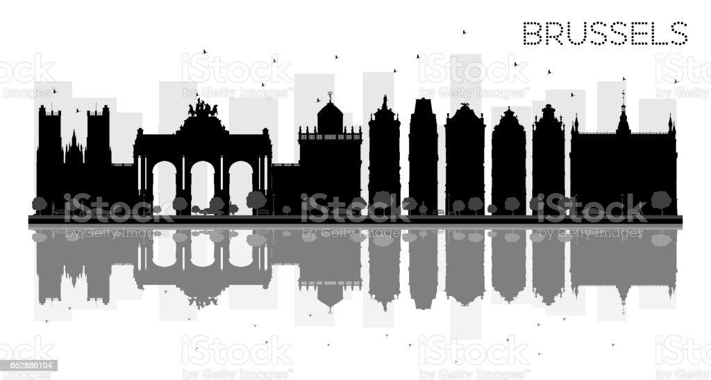 Silueta de horizonte blanco y negro ciudad de Bruselas con reflejos. - ilustración de arte vectorial