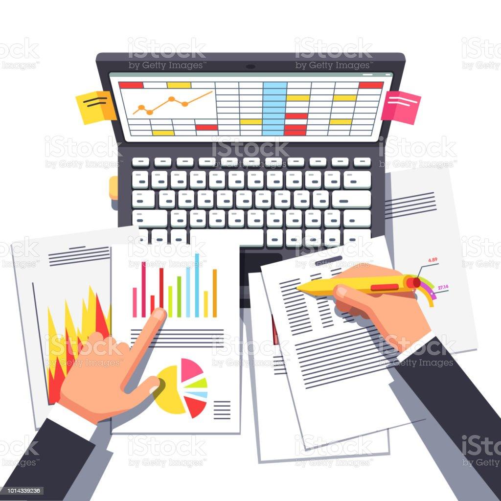 Analyste d'affaires travaillant sur des données statistiques. Illustration de cliparts vecteur plat - Illustration vectorielle