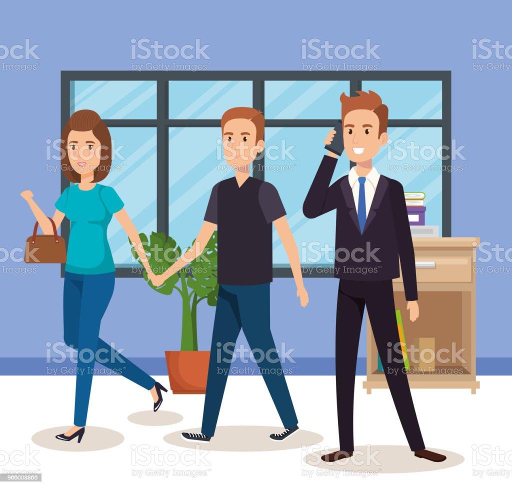 Geschäftsleute in die isometrische Büro-Avatare - Lizenzfrei Am Telefon Vektorgrafik