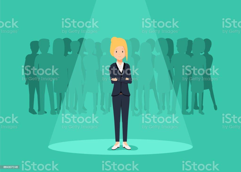 Business conceito de vetor de recrutamento ou contratação. À procura de talentos. Empresária em pé no centro das atenções ou searchligh - ilustração de arte em vetor