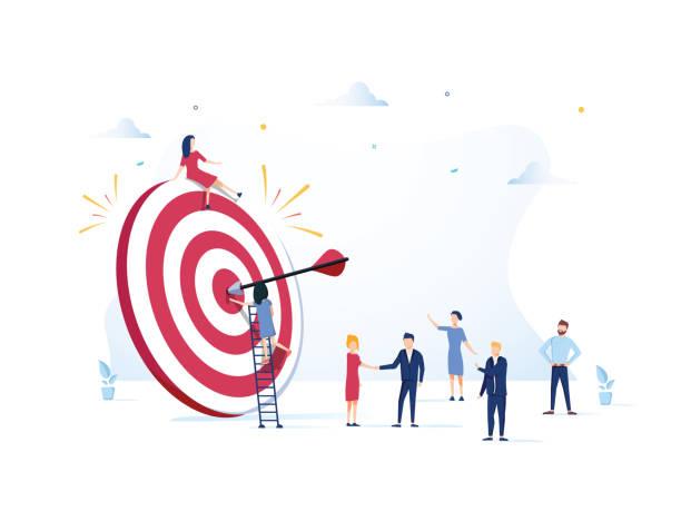 wizja biznesu, duży cel z ludźmi, praca zespołowa, ludzie biegną do celu, podnieś motywację, osiągnięcie celu - aspiracje stock illustrations