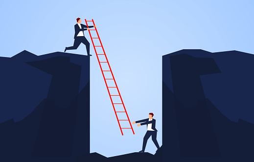Geschäftsmann Hält Eine Leiter Um Einen Begleiter Zu Retten Der In Den Boden Einer Klippe Fällt Stock Vektor Art und mehr Bilder von Angst