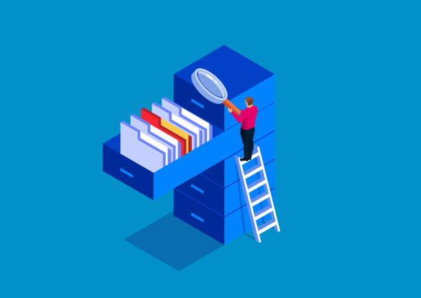 stockillustraties, clipart, cartoons en iconen met zakenman holding vergrootglas op zoek naar documenten - dossier