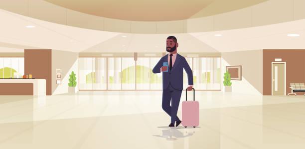 бизнесмен с багажом современной зоны приема афро-американский бизнесмен, держащий чемодан парень, стоящий в лобби современного интерьера � - hotel reception stock illustrations