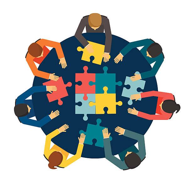illustrazioni stock, clip art, cartoni animati e icone di tendenza di uomini d'affari di entrare a far parte di puzzle pezzi - business meeting, table view from above