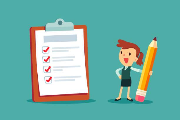 Geschäftsfrau hält einen Bleistift Blick auf ausgefüllte Checkliste in Zwischenablage – Vektorgrafik