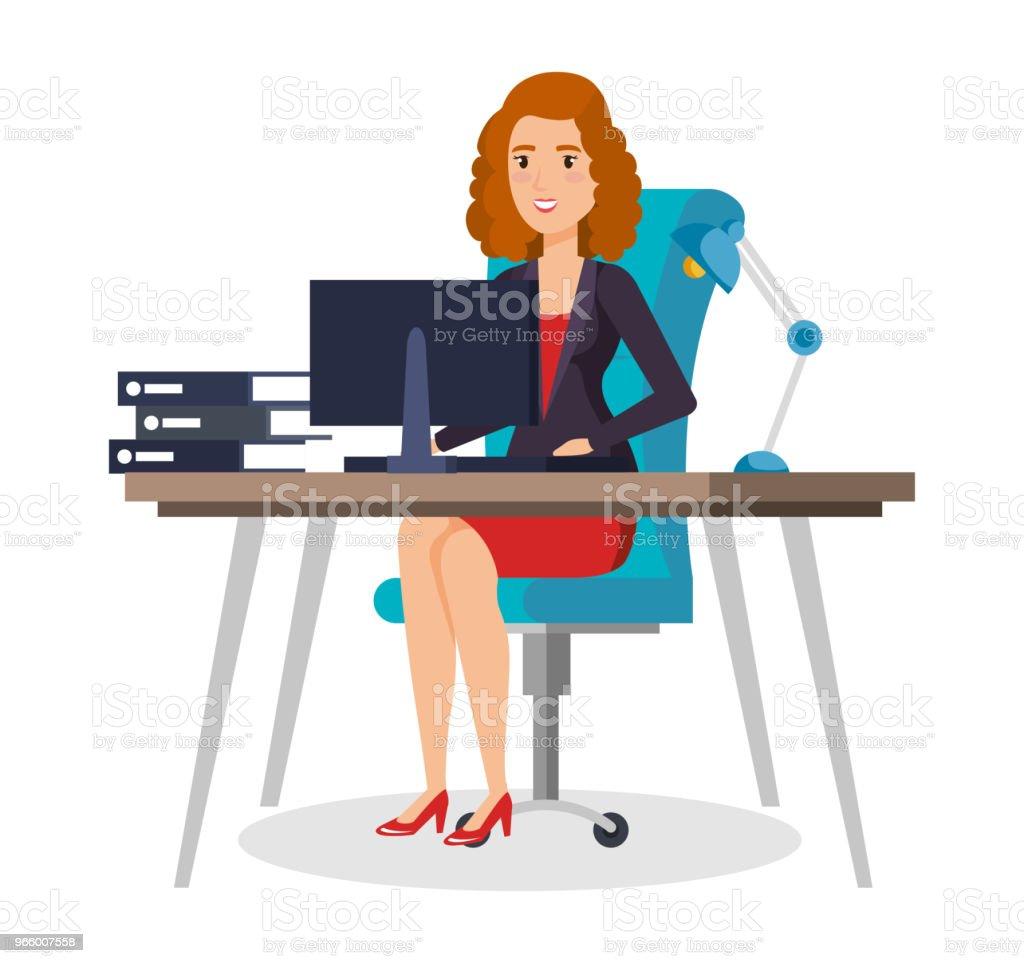 affärskvinna som sitter på kontoret - Royaltyfri Affärskvinna vektorgrafik