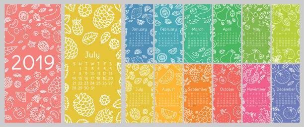 ilustraciones, imágenes clip art, dibujos animados e iconos de stock de calendario 2019. plantilla de vector calendario inglés. frutas, bayas. limón, kiwi, plátano, pera, cereza, fresa, frambuesa, sandía, uvas, manzana, granada y mandarina. diseño dibujado a mano. doodle sketch. domingo - calendario de naturaleza