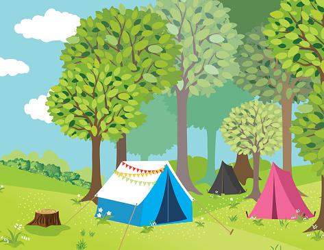 Campground Na Floresta - Arte vetorial de stock e mais imagens de 2015