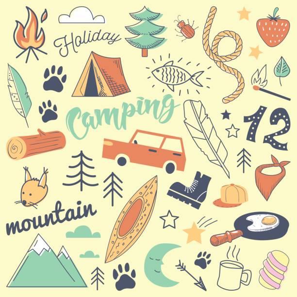 camping freihand handgezeichnete doodle. ferien in den bergen mit zelt, tiere und wald - zeltausrüstung stock-grafiken, -clipart, -cartoons und -symbole