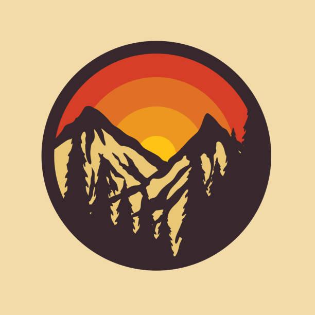 ilustraciones, imágenes clip art, dibujos animados e iconos de stock de camping naturaleza salvaje insignia parche pin ilustración gráfica vector arte diseño de la camiseta - mountain top