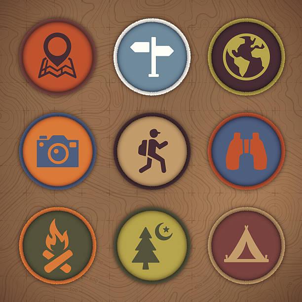 illustrazioni stock, clip art, cartoni animati e icone di tendenza di campeggio patch simboli - pezze di stoffa