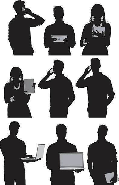 ilustrações de stock, clip art, desenhos animados e ícones de casuais pessoas utilizando tecnologia - da cintura para cima