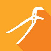 istock Channel Pliers Icon 490754570
