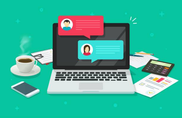 bildbanksillustrationer, clip art samt tecknat material och ikoner med chattmeddelanden på dator online vektor illustration, platt tecknad arbets yta eller skriv bord bärbar dator med chattar bubbla anmälningar, begreppet människor messaging på internet bild - laptop