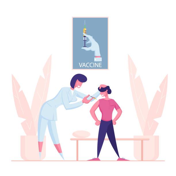 illustrations, cliparts, dessins animés et icônes de vaccination des enfants, procédure de vaccination. personnage féminin de docteur mettez l'injection à l'enfant. médecine medic shoot dans l'épaule de garçon. petit patient obtenir le vaccin à l'hôpital. illustration plate de vecteur de dessin anim� - vaccin enfant