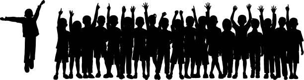 (모든 완전 하 고 이동) 군중의 아이 들 - 자녀 실루엣 stock illustrations