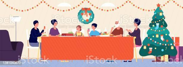Christmas Family Dinner Holiday Living Room Interior Traditional Eating Seniors Children Sitting At Festive Table Vector Illustration - Immagini vettoriali stock e altre immagini di Adolescente