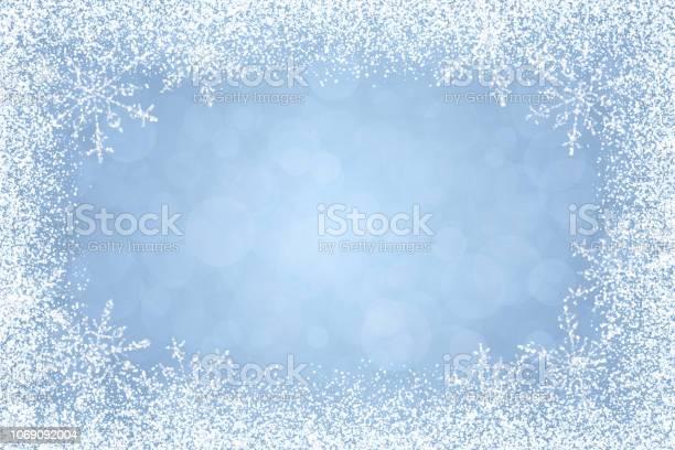 Kerst Winter Wit Frame Op Lichte Blauwe Achtergrond Stockvectorkunst en meer beelden van Aan de kant van