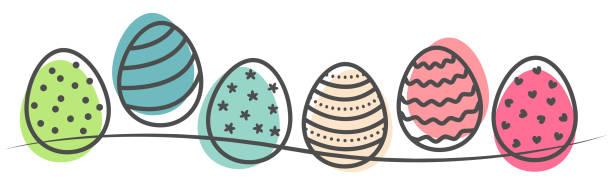 다채로운 부활절 달걀 손으로 그린 개요 낙서 - 부활절 달걀 stock illustrations