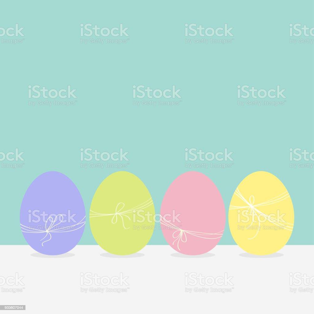 Set Pintura Colorido Huevos De Pascua Fila De La Cáscara De Huevos ...