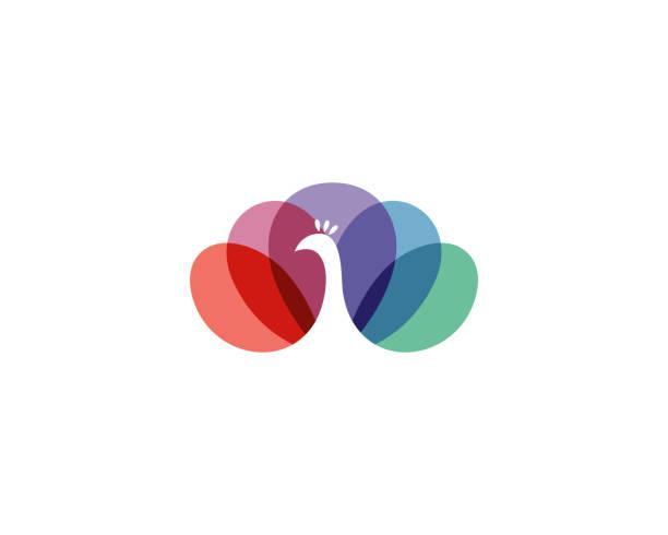 красочная птица павлина в отрицательном логотипе вектора пространства. красивый логотип значка хвоста peafowl. - peacock stock illustrations