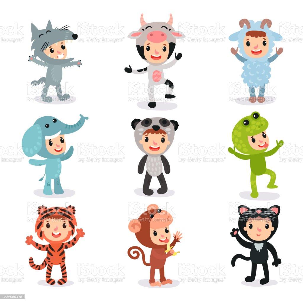 ilustração de conjunto colorido de crianças em trajes diferentes