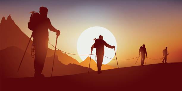 ilustrações, clipart, desenhos animados e ícones de conceito da aventura, com um grupo de montanhistas que caminham antes da ascensão de uma montanha - equipe esportiva