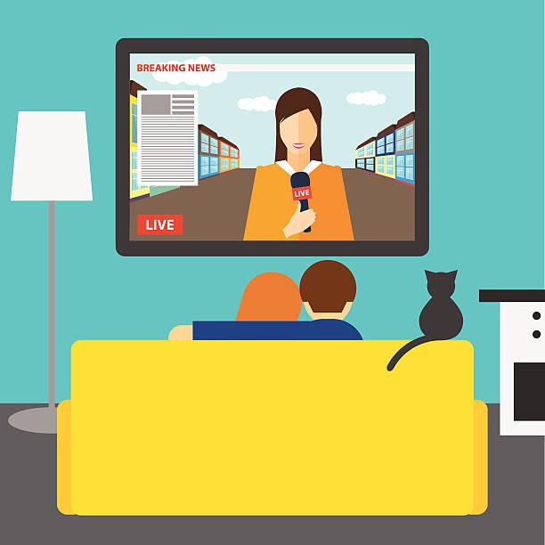 ilustrações de stock, clip art, desenhos animados e ícones de casal e gato ver as notícias na televisão na sala - tv e familia e ecrã
