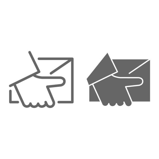 kurier-lieferlinie und volumenfest es, logistik-symbol, hand halten paket oder brief vektorzeichen auf weißem hintergrund, home delivery-symbol im umriss-stil für mobile und web-design. vektorgrafiken. - gliedmaßen körperteile stock-grafiken, -clipart, -cartoons und -symbole