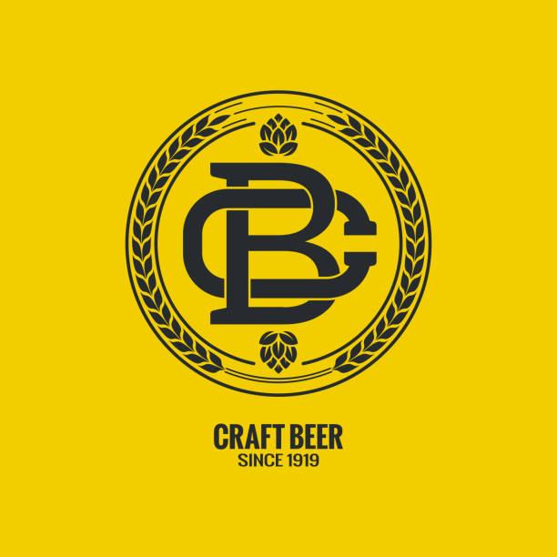 stockillustraties, clipart, cartoons en iconen met ambachtelijke bier logo op gele achtergrond - bier