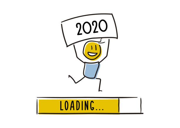illustrations, cliparts, dessins animés et icônes de mignon petit personnage annonçant joyeusement la nouvelle année approche. tenir un tableau 2020 au-dessus de sa tête. illustration de griffonnage de vecteur - calendrier de l'avant