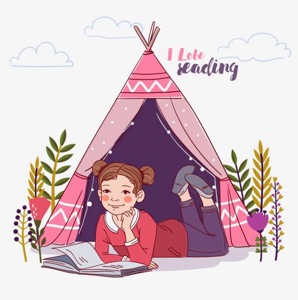 stockillustraties, clipart, cartoons en iconen met schattig klein meisje het lezen van een boek in de tuin - mini amusementpark