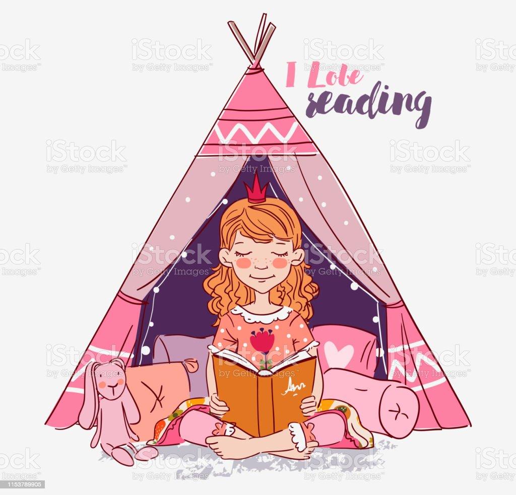 Petite Fille Mignonne Avec La Couronne Lisant Un Livre Belle