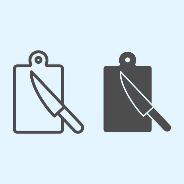 bildbanksillustrationer, clip art samt tecknat material och ikoner med skärbräda linje och fast ikon. hugga vedplatta och bordskniv. hem-stil kök vektor design koncept, disposition stil piktogram på vit bakgrund, användning för webb och app. eps 10. - wood sign isolated